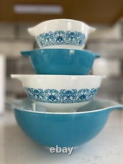 Complete Vintage Set 4 New Pyrex Blue Horizon Cinderella Mixing Bowls. 1967-1972