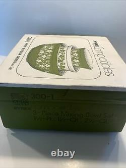 Vintage Pyrex Spring Blossom Green Nesting Mixing Bowls 3pc Set NEW IN BOX